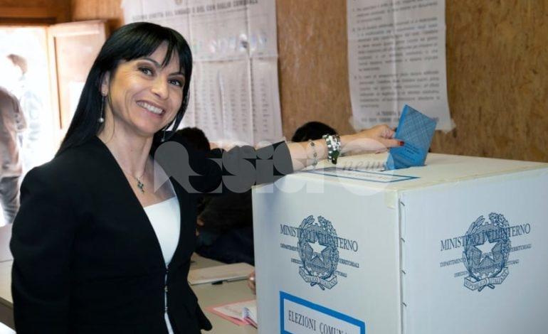 Stefania Proietti annuncia la ricandidatura a sindaco di Assisi (video)