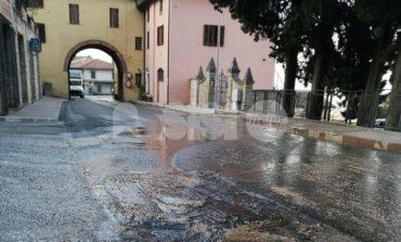 L'acquedotto di Viole di Assisi è un colabrodo: sprecati litri di acqua (foto)