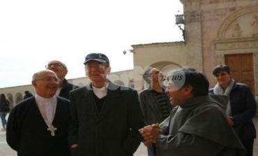 I Cardinali Pedro Barreto, Michael Czerny e Cláudio Hummes ad Assisi