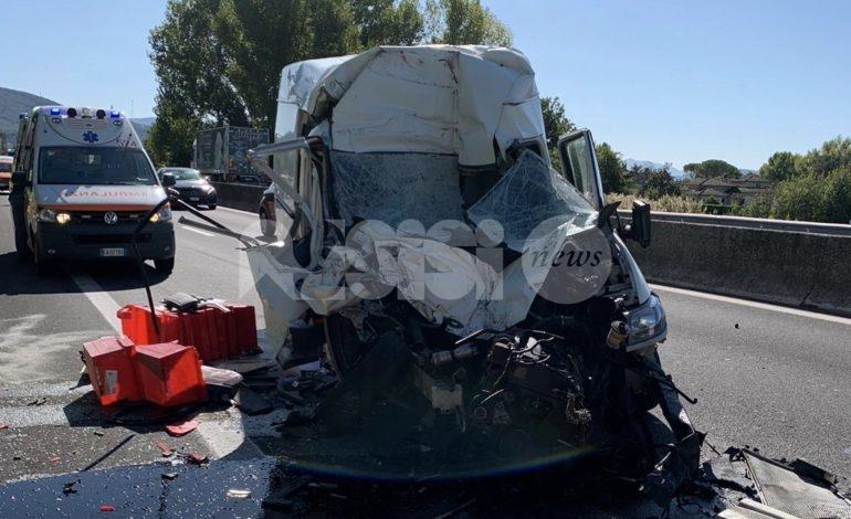 Brutto incidente sulla SS75 all'altezza di Rivotorto: un ferito (foto)