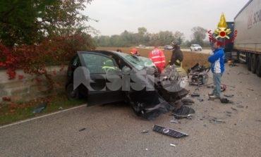 Frontale auto-camion nella zona di Petrignano, 30enne ricoverato a Perugia