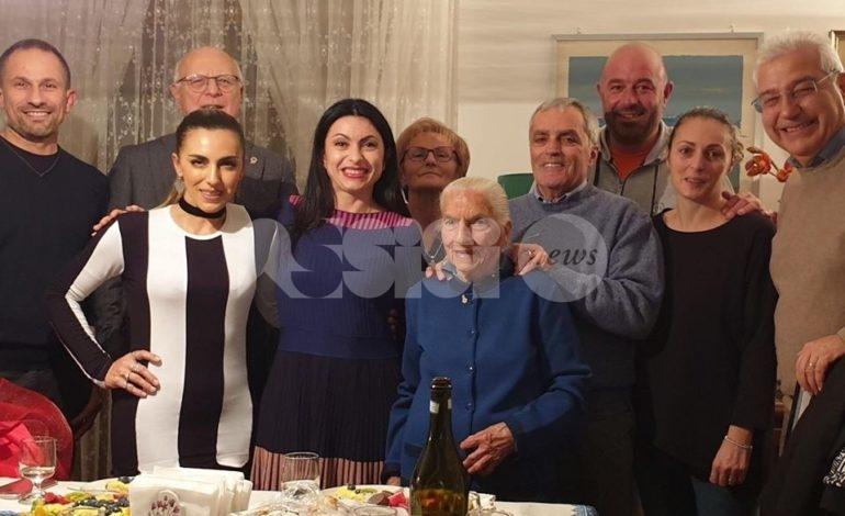Emilia Fioroni compie 100 anni: grande festa a Rivotorto di Assisi (foto)