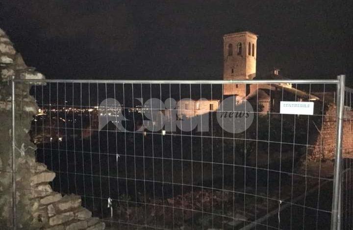Cade il muro a borgo San Pietro ad Assisi, era pericolante da tempo