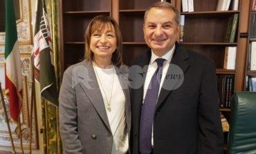 Donatella Tesei si è insediata: è ufficialmente la nuova presidente umbra