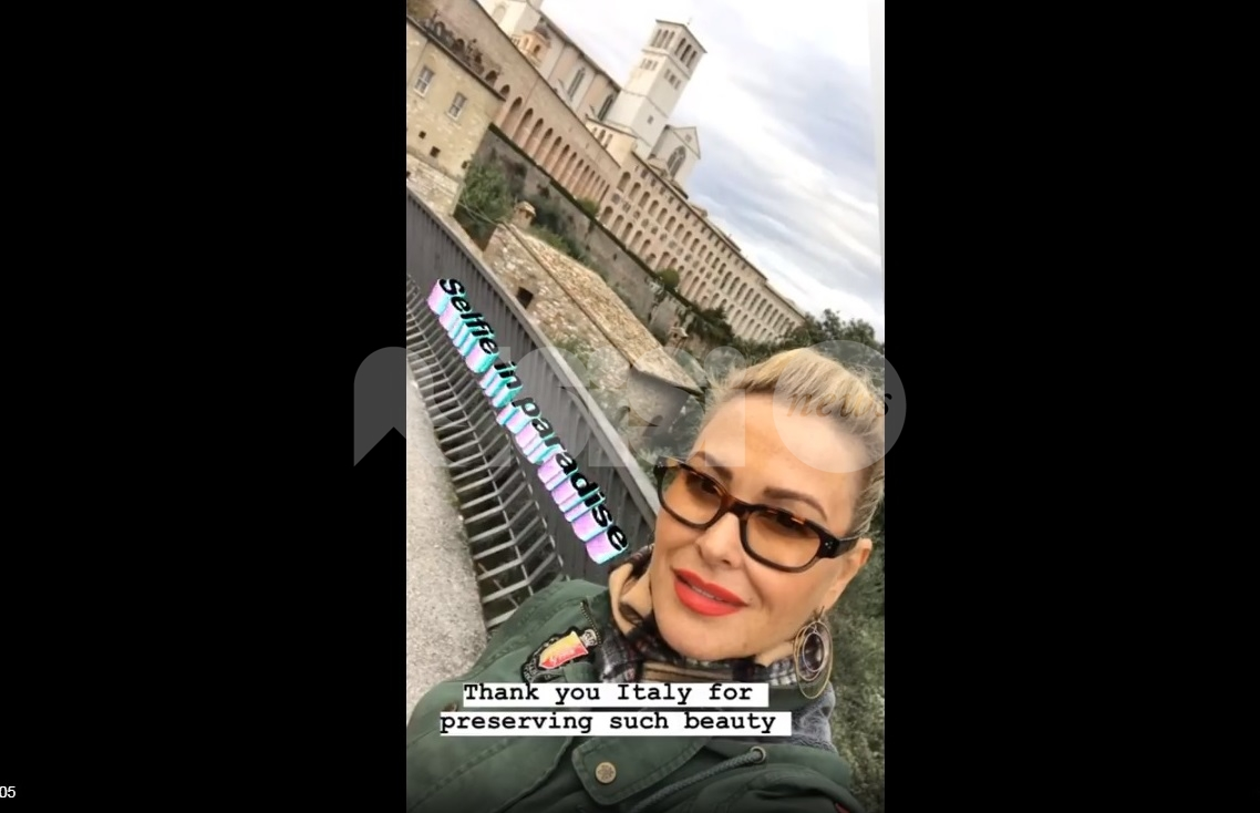 Anastacia ad Assisi: la cantante americana affascinata dalla città serafica (foto+video) - Assisi News