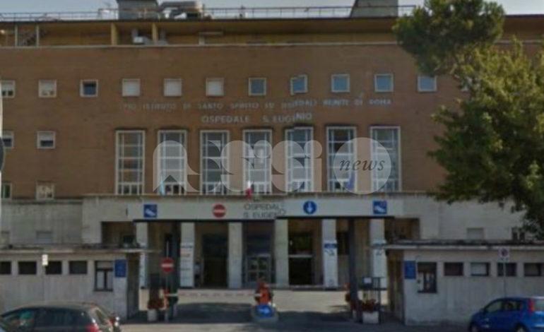 Donna ustionata in ospedale, ricoverata a Roma in gravi condizioni