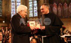 """Sergio Mattarella riceve la Lampada della Pace: """"Speranza di un'Italia umana"""" (foto-video)"""