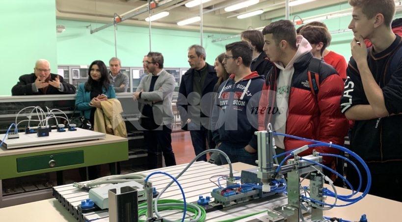 Polo-Bonghi, si amplia l'offerta formativa: corso di meccanica e nuovo laboratorio