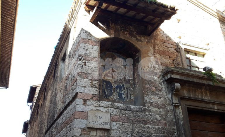 Edicola della chiesa di San Gregorio, crowdfunding dal basso per il restauro