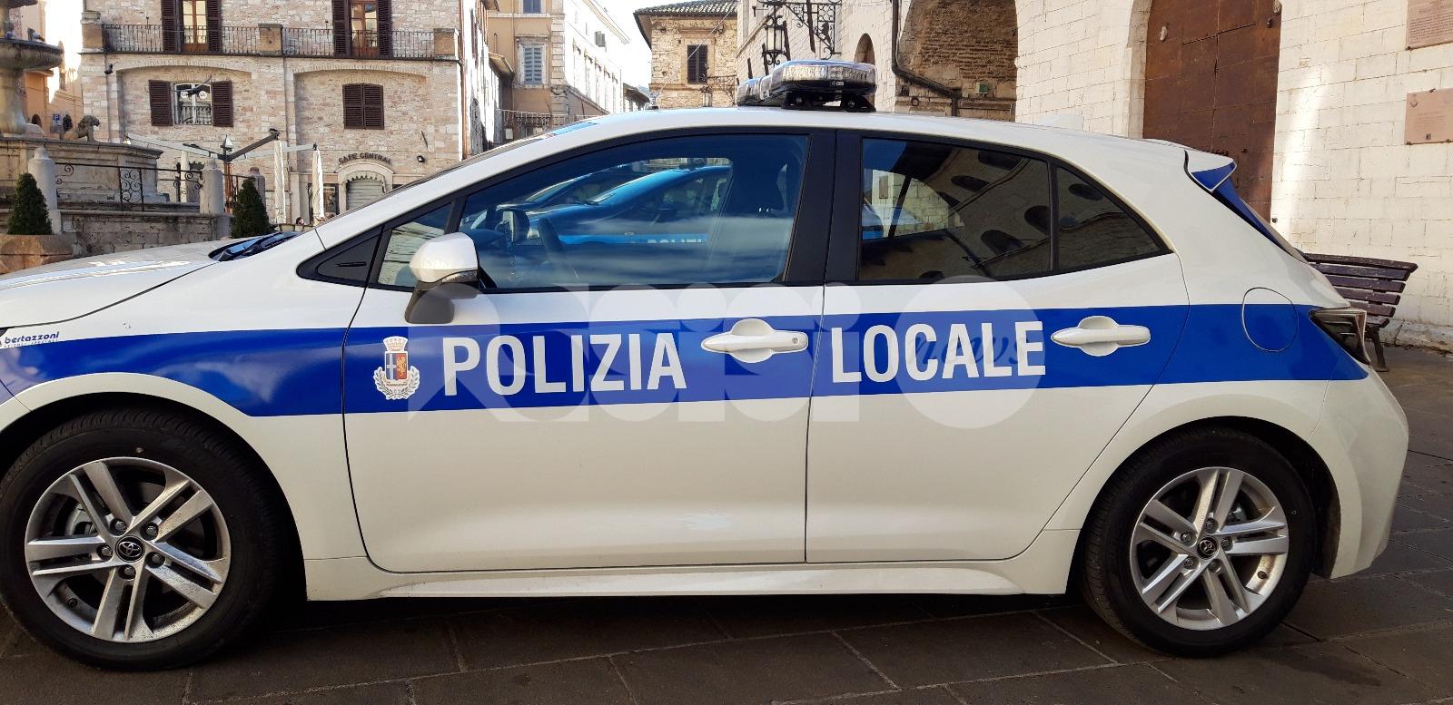 Donna denunciata dopo un inseguimento tra Assisi-Santa Maria-Bastia