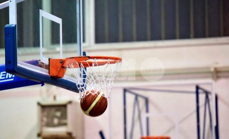 Daspo per un giocatore di basket: ha colpito l'avversario durante un match
