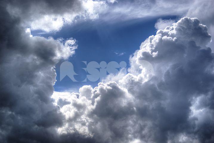 Meteo Assisi 24-26 gennaio 2020, sole e pioggia nel weekend: buona la qualità dell'aria