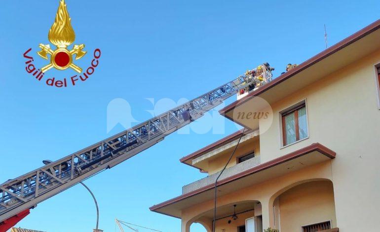 Incendio camino a Bastia Umbra, vigili del fuoco sul posto (foto)