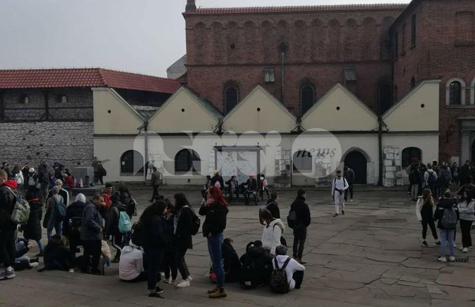 """""""Mille passi oltre il filo, pensieri da Auschwitz"""", spettacolo all'Auditorium Alessi"""