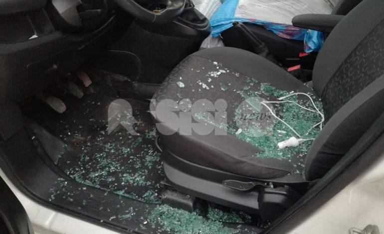 Ladri a Bastia Umbra, una ventina di auto danneggiate in una notte