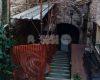 Sporcizia e degrado in vicoletto Santo Stefano, nel cuore di Assisi (foto)