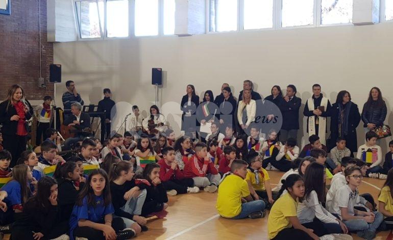 Palestra della scuola Frate Francesco, grande festa per l'inaugurazione (foto)