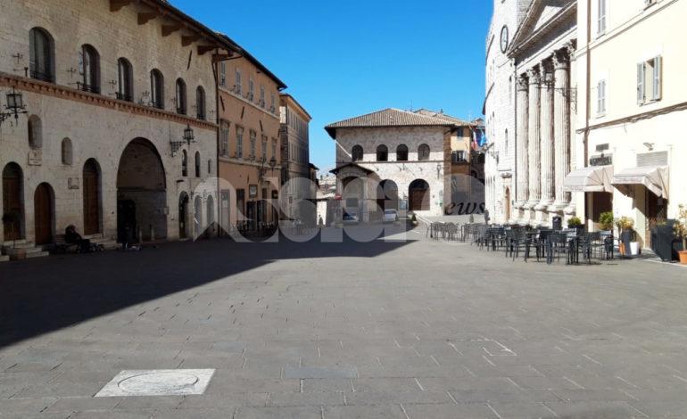 """Turismo, l'appello di Di Santi: """"Subito un piano di comunicazione ed eventi"""". Aeroporto Perugia riparte dal 18 giugno"""