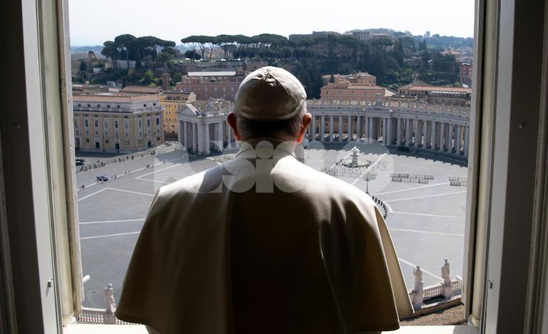 Coronavirus, Assisi prega con Papa Francesco per battere la pandemia