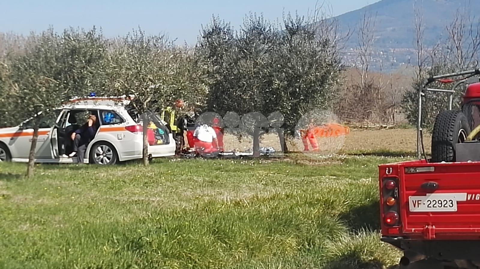 Incidente sul lavoro a Castelnuovo di Assisi, 66enne ricoverato a Perugia (foto+video)