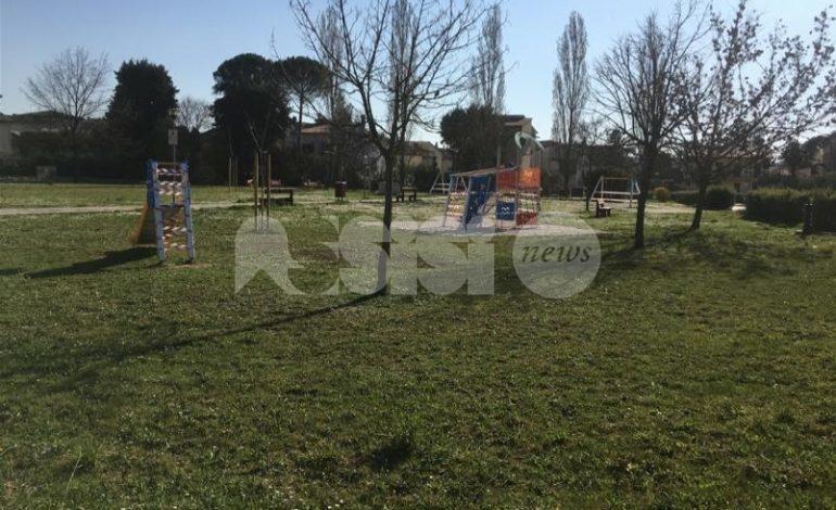 Emergenza da coronavirus, il Comune di Assisi chiude parchi, cimiteri e aree verdi pubbliche