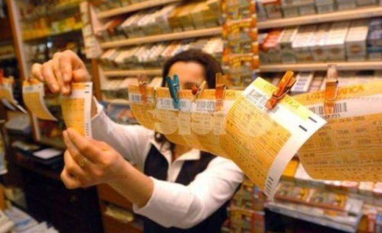 Lotto, Superenalotto e altri: stop al gioco d'azzardo in tabaccheria