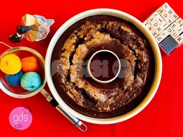 Ciambellone al cioccolato, ricetta (anche per bambini), ingredienti e preparazione