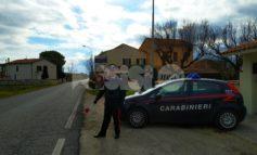 Minaccia di morte l'ex compagna e ha un coltello da 31 cm in auto: denunciato 83enne