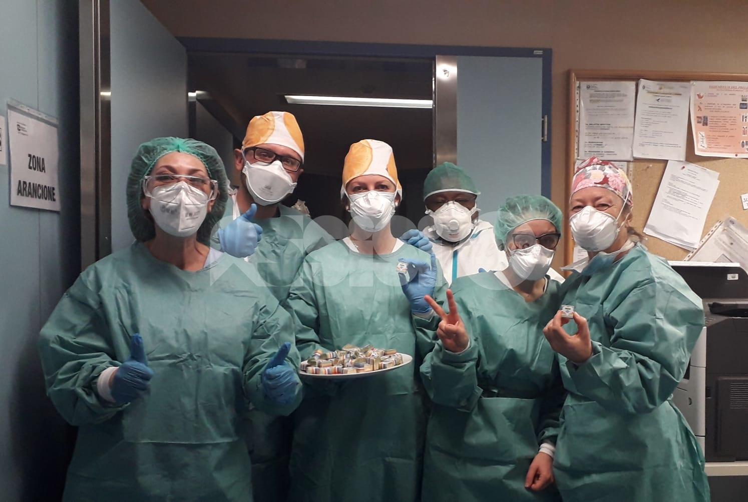 Alessio Finauro e Marco Pucci donano i cioccolatini del cuore a tre strutture ospedaliere della Lombardia