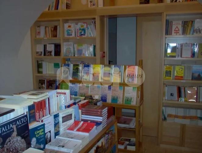 Libreria Fonteviva ad Assisi riapre al pubblico due giorni a settimana
