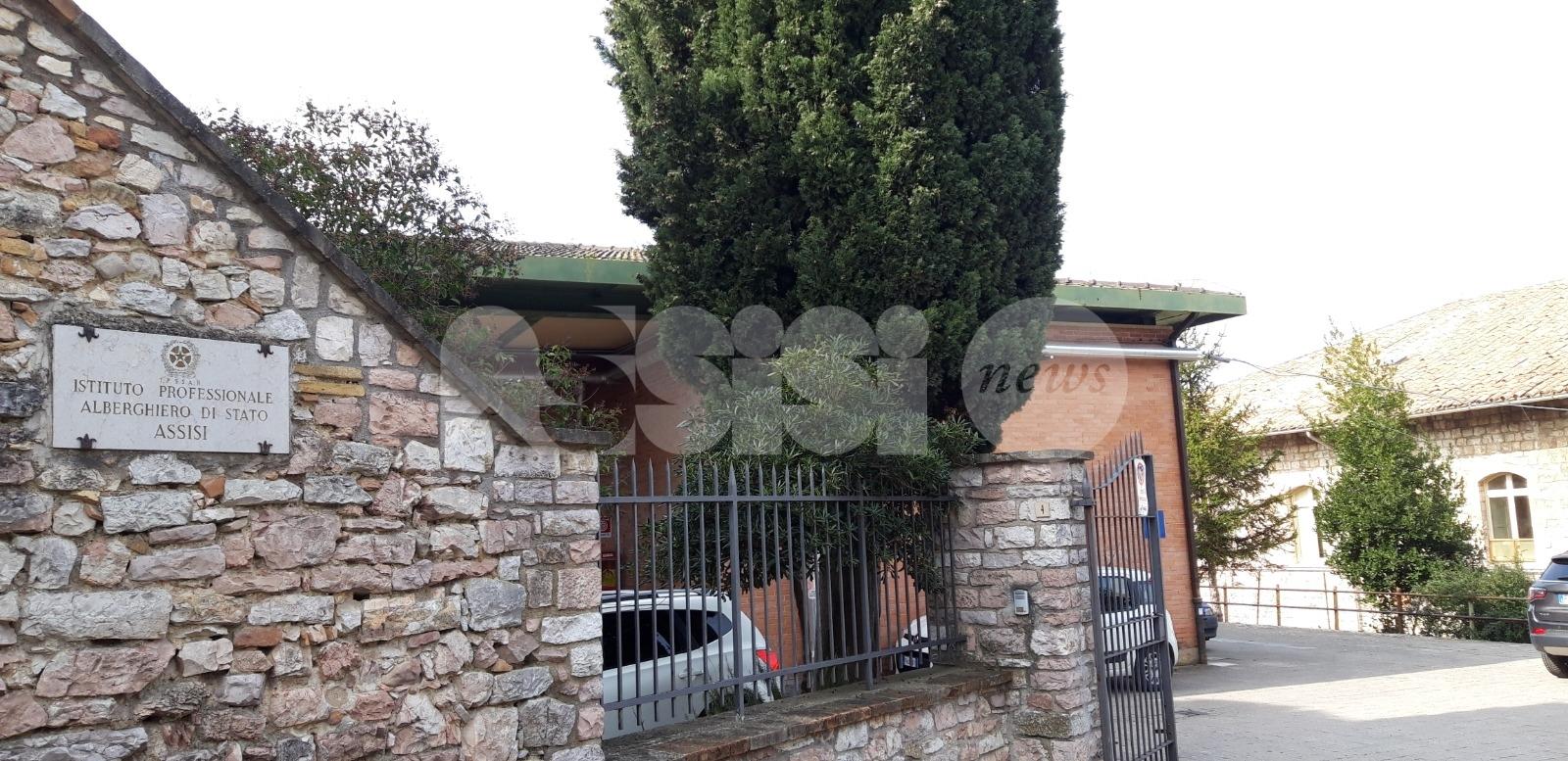 Alla scoperta del cibo sano e sostenibile, gli alunni dell'alberghiero di Assisi studiano i prodotti alimentari