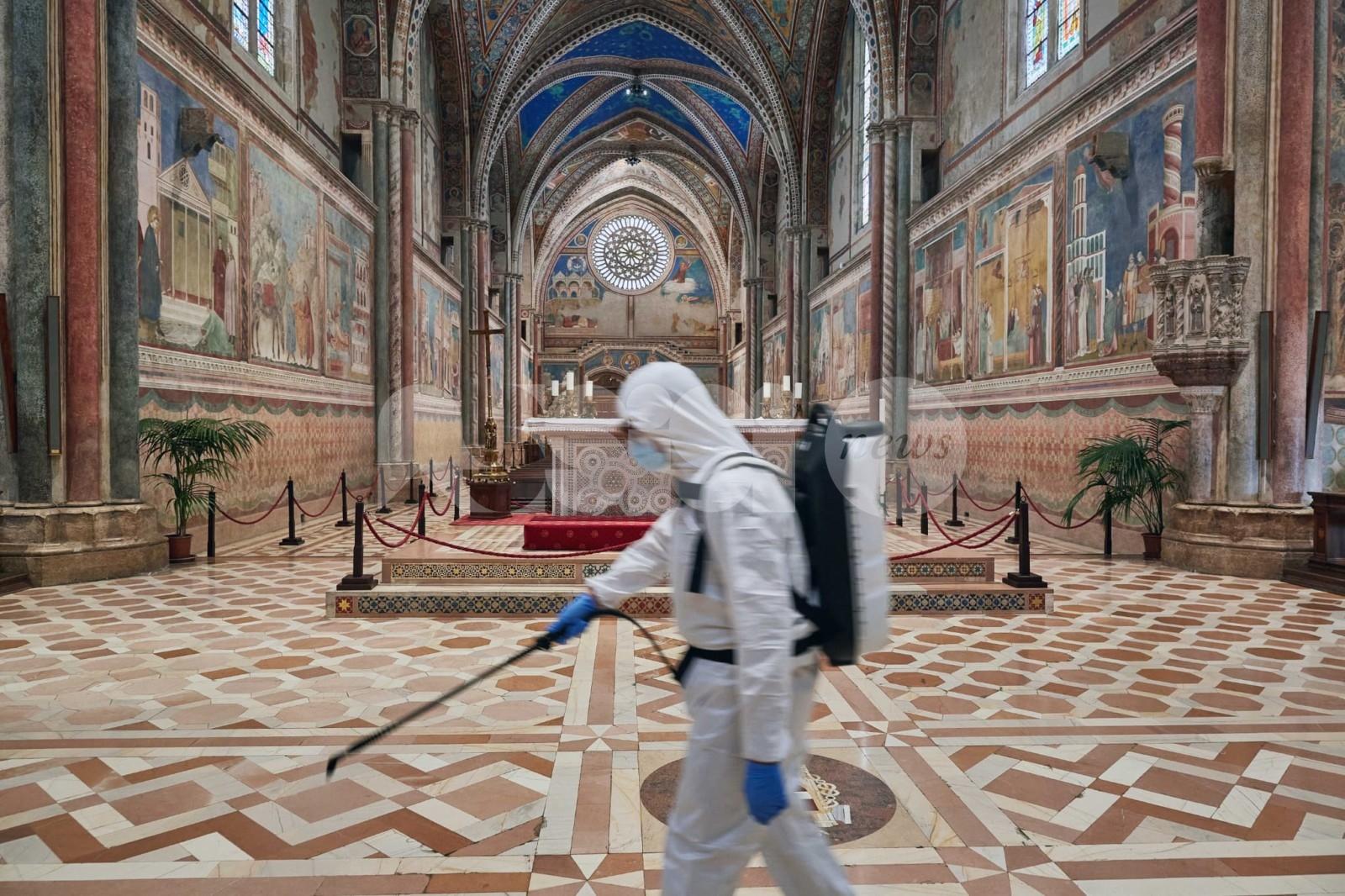 Basiliche e Tomba di San Francesco riaperte, ci sono gel e mascherine