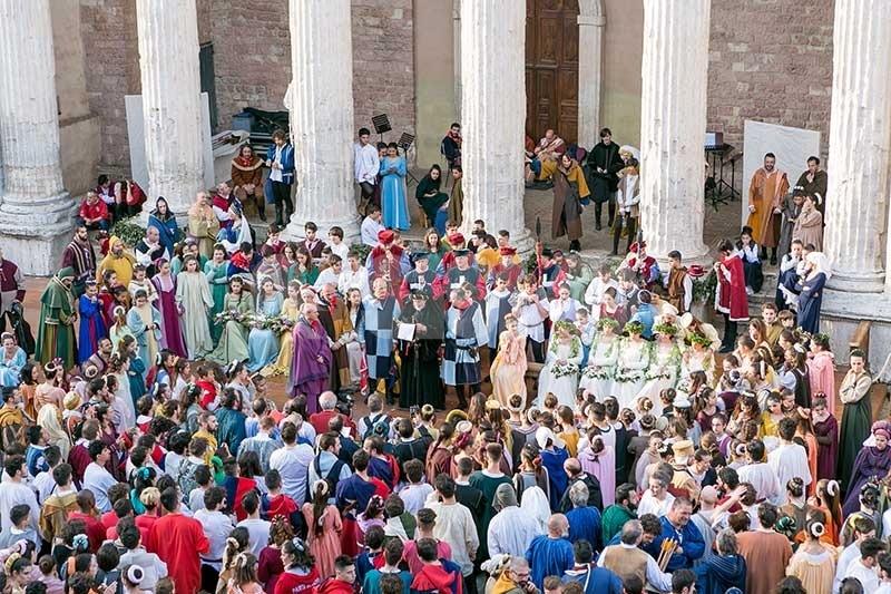 Calendimaggio di Assisi 2020, le iniziative online e in città per mantenere vivo lo spirito della Festa