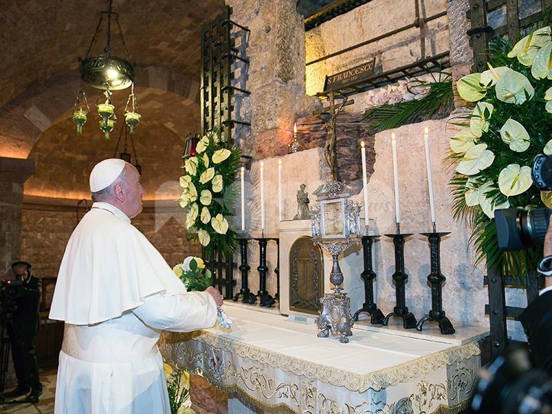 Bergoglio o barbarie, il libro di Riccardo Cristiano presentato ad Assisi