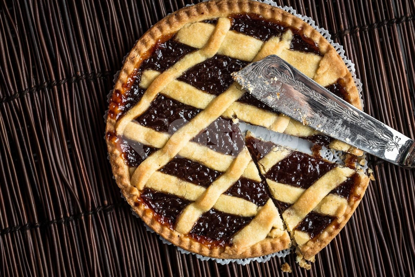 Crostata alla marmellata di ciliegie: la ricetta della nonna (umbra) e preparazione