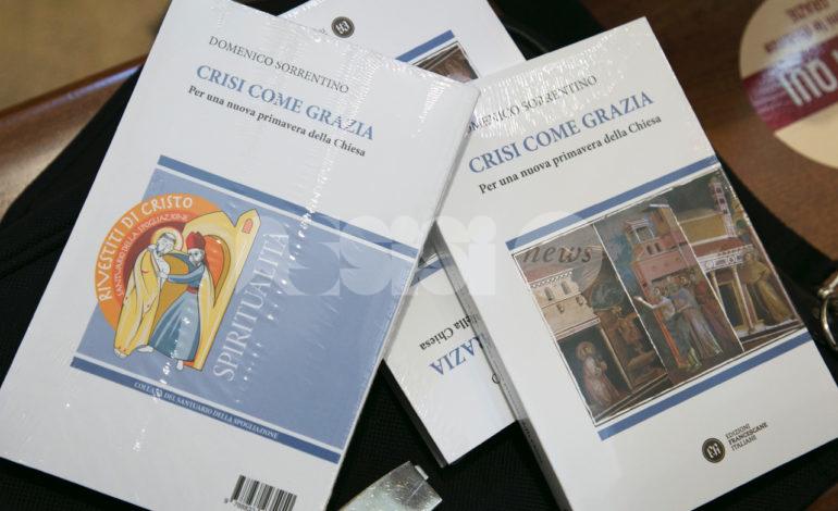 Crisi come grazia, il Cardinale Zuppi ad Assisi per la presentazione del libro del vescovo Sorrentino