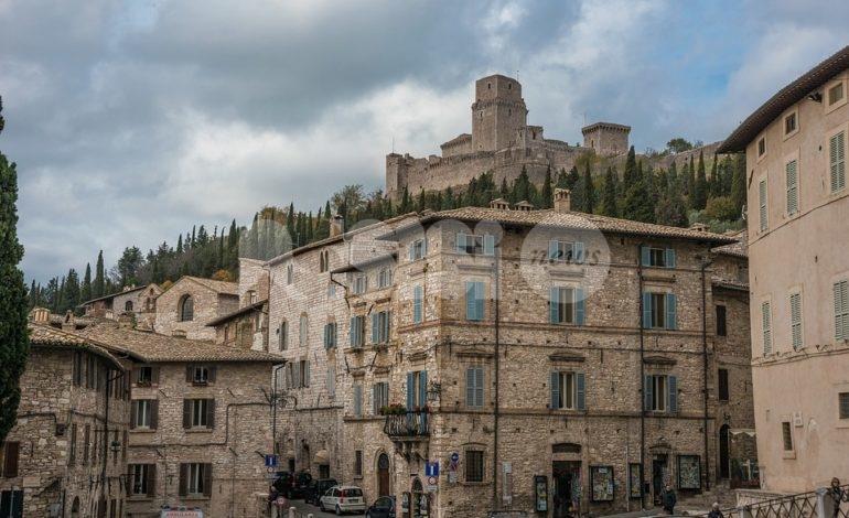 """Eventi ad Assisi, Calzolari (FdI Assisi) di nuovo all'attacco: """"Minestrone preparato in fretta e furia"""""""