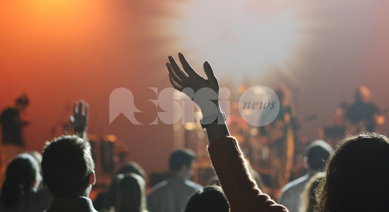Notte bianca … verde e rossa ad Assisi, organizzano i gruppi social