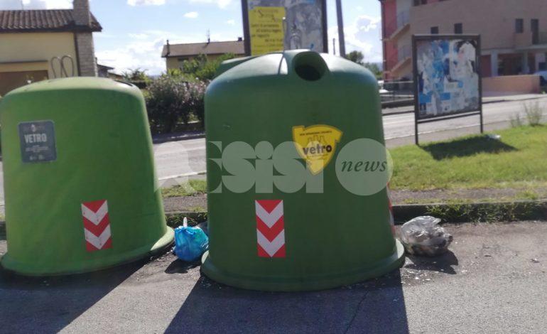 Abbandoni di rifiuti a Rivotorto, ancora casi nella frazione di Assisi