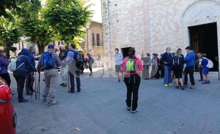 Sentiero di Francesco 2020, pellegrini partiti da Assisi verso Gubbio