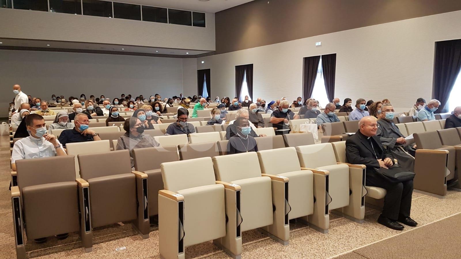 """Assemblea diocesana 2020, Sorrentino: """"Riaccendere il fuoco dell'amore"""""""