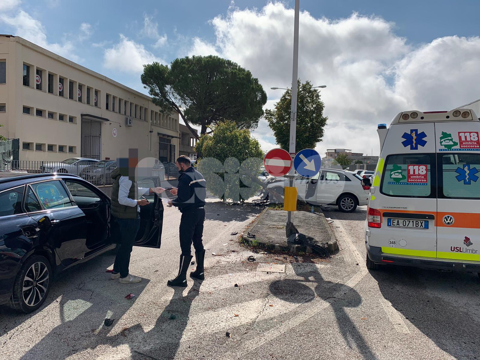 Incidente a Bastia Umbra, un ferito in ospedale (foto)