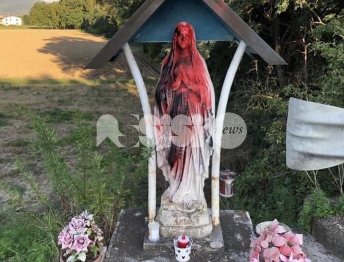 Statua della Beata Vergine Maria deturpata, sdegno a Cerreto di Bettona