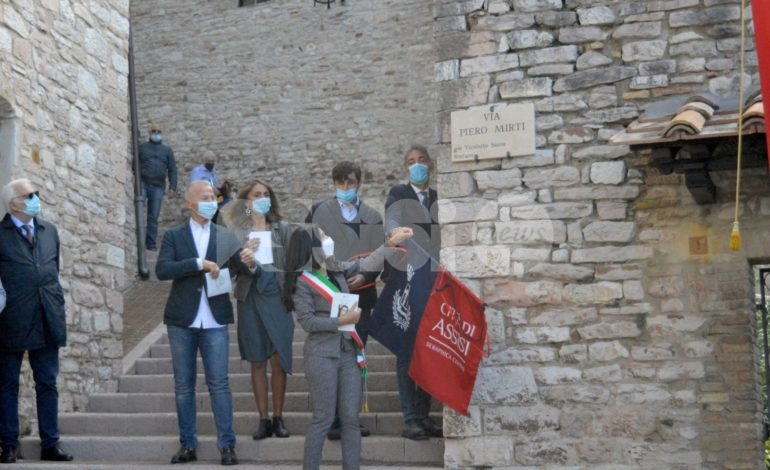 Via Piero Mirti è realtà: intitolata all'Avvocato una strada nel centro storico