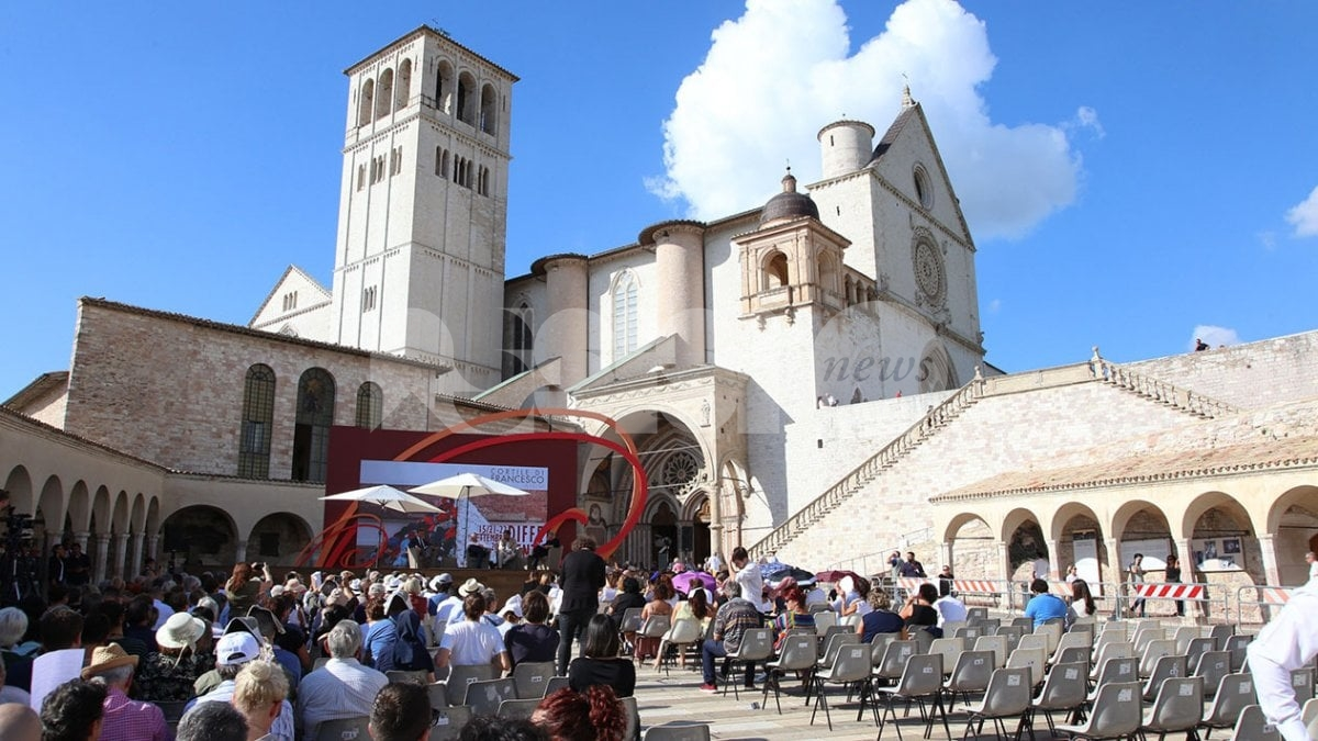 Liliana Segre e il ministro Gualtieri alla sesta edizione del Cortile di Francesco
