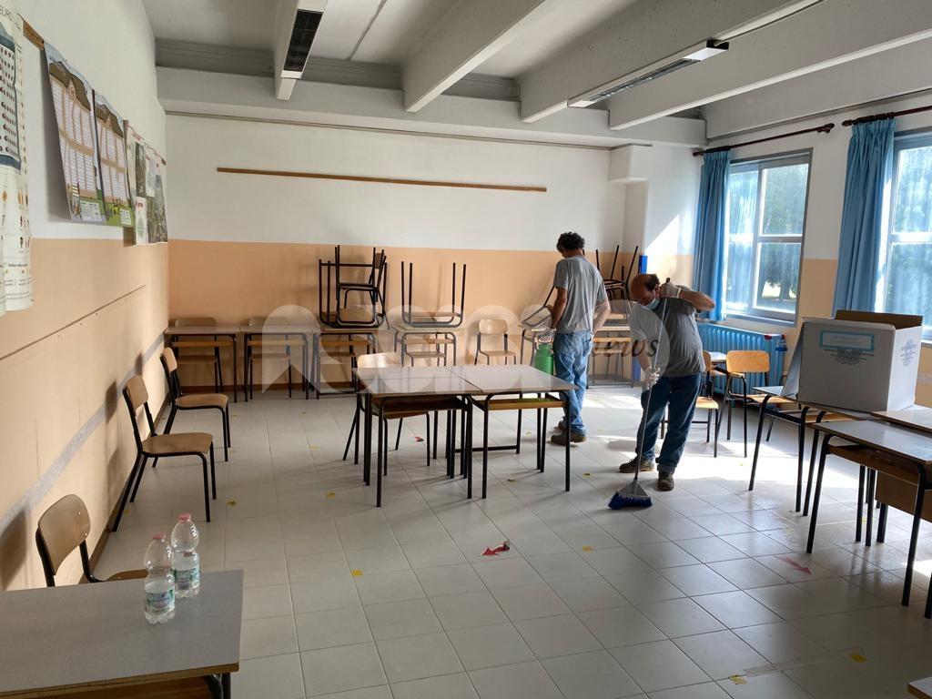Scuole di Assisi sanificate dopo il voto, tutto pronto per il ritorno in classe