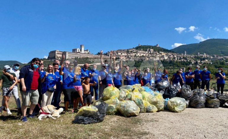 Strada facendo RipuliAmo Assisi, in 70 all'iniziativa ecologica