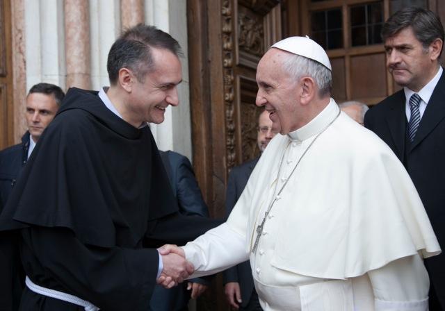 Padre Mauro Gambetti cardinale: annuncio del Papa all'Angelus (video)