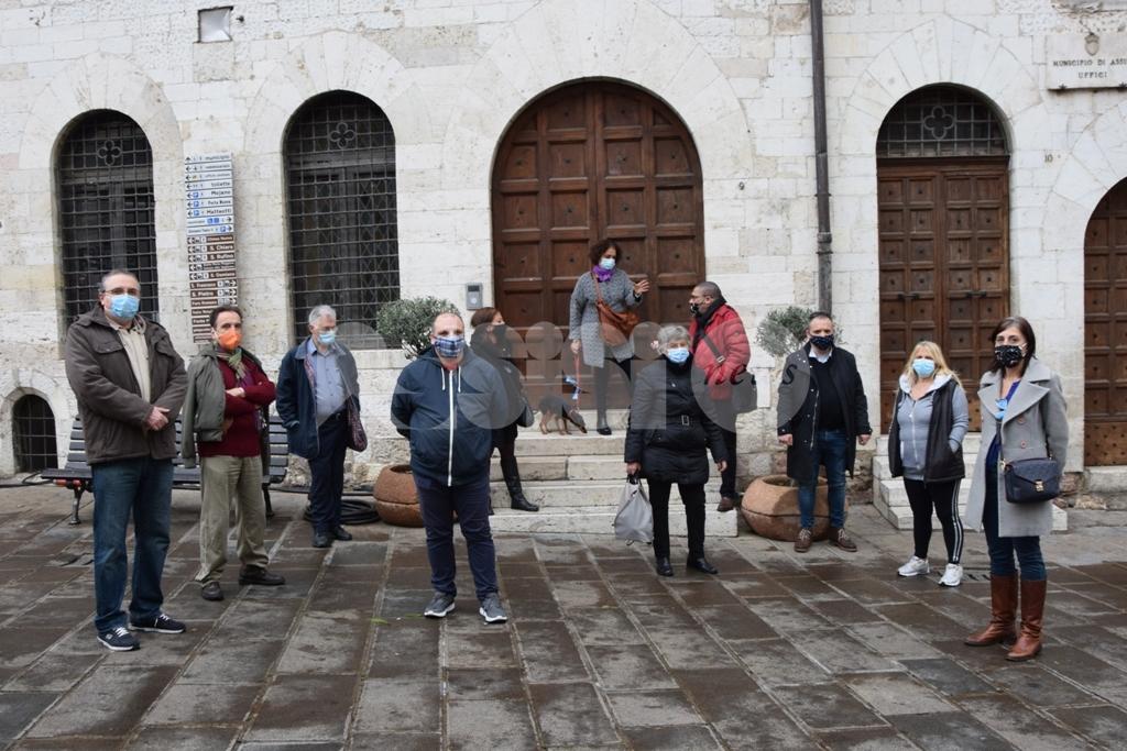 """Attività commerciali, la protesta da Assisi: """"Chiusi di domenica e senza tutele"""""""