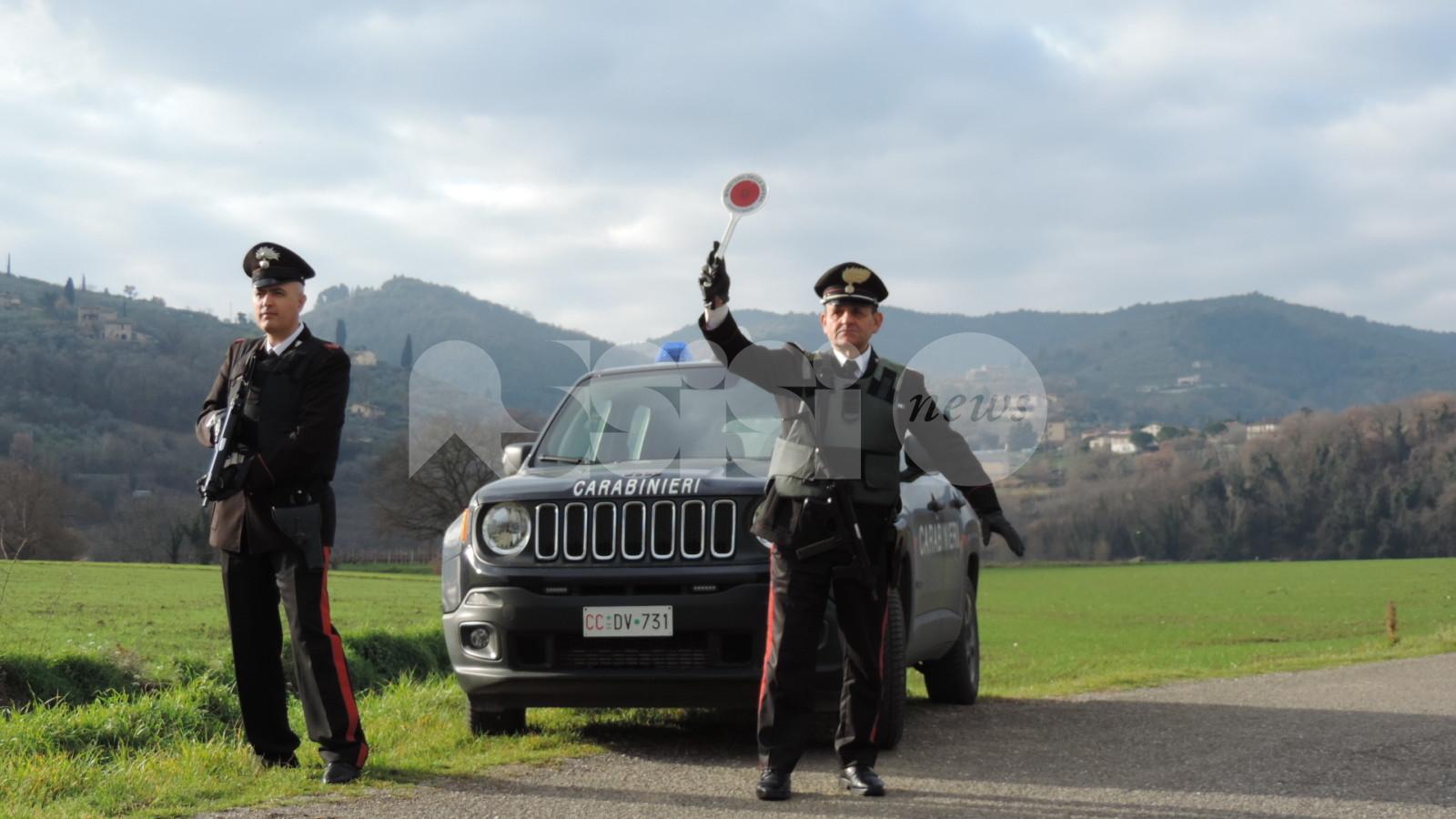 Spinelli in auto e droga in casa: denunciato per detenzione a fini di spaccio